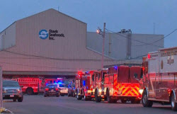 Emergency Vehicles outside Stavis Seafoods in Boston